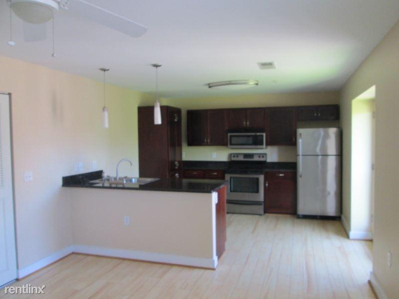 470 Middle Street 226, Portsmouth, VA - $1,300