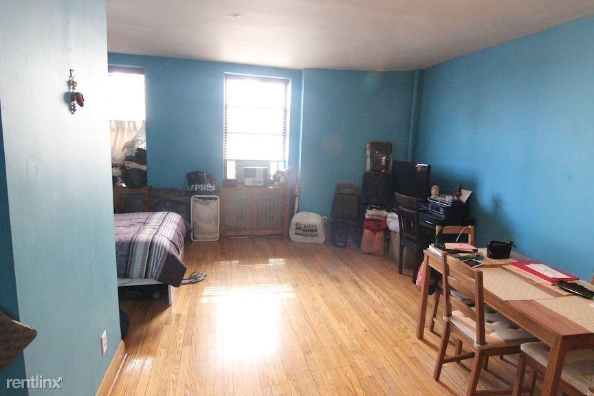 338 W 77th St, New York, NY - $2,150