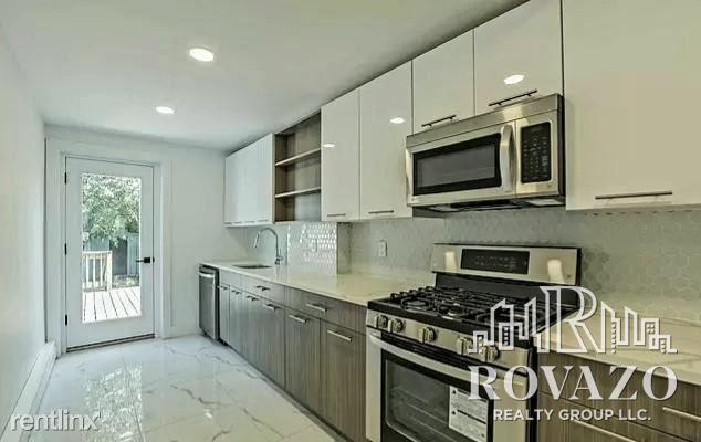 138 Broadway # House, Jersey City, NJ - $2,800