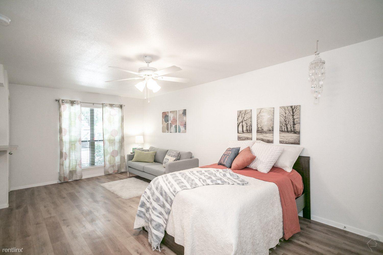 7401 N Lamar Blvd, Austin, TX - $748 USD/ month
