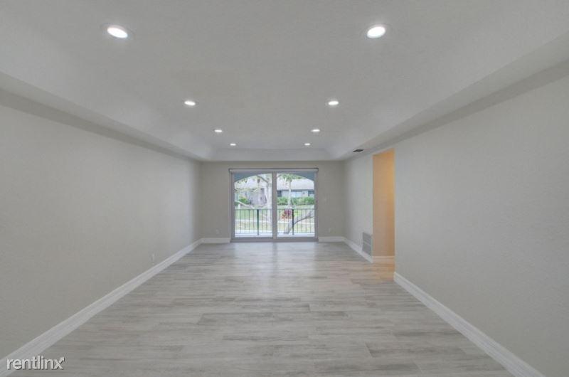 398 W Camino Real, Boca Raton, FL - $2,500