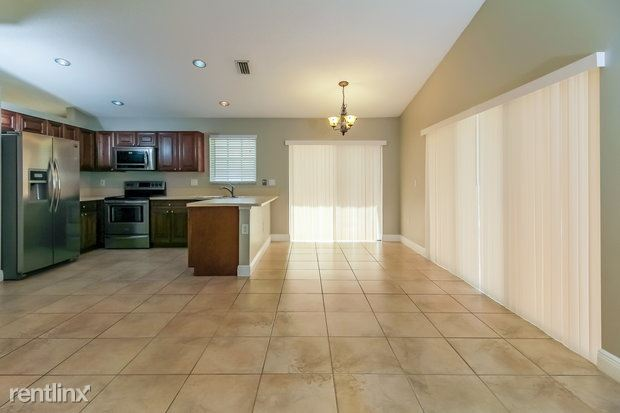 3136 NW 72nd Ave, Margate, FL - $2,490 USD/ month