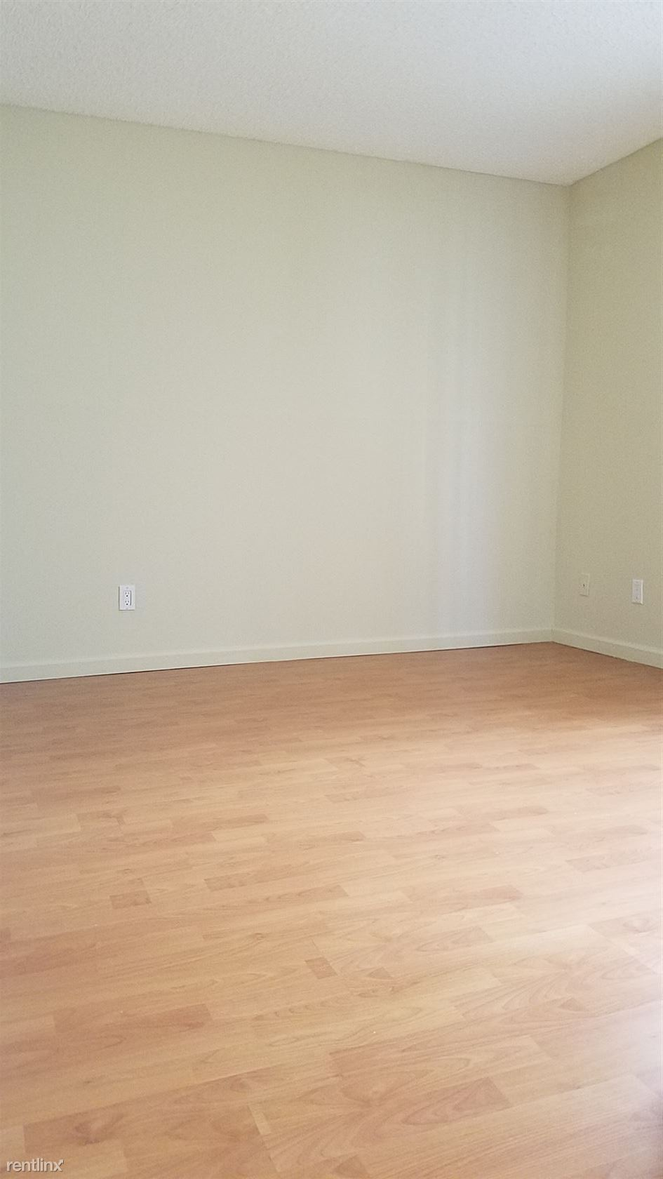 861 S Catalina St - 1475USD / month