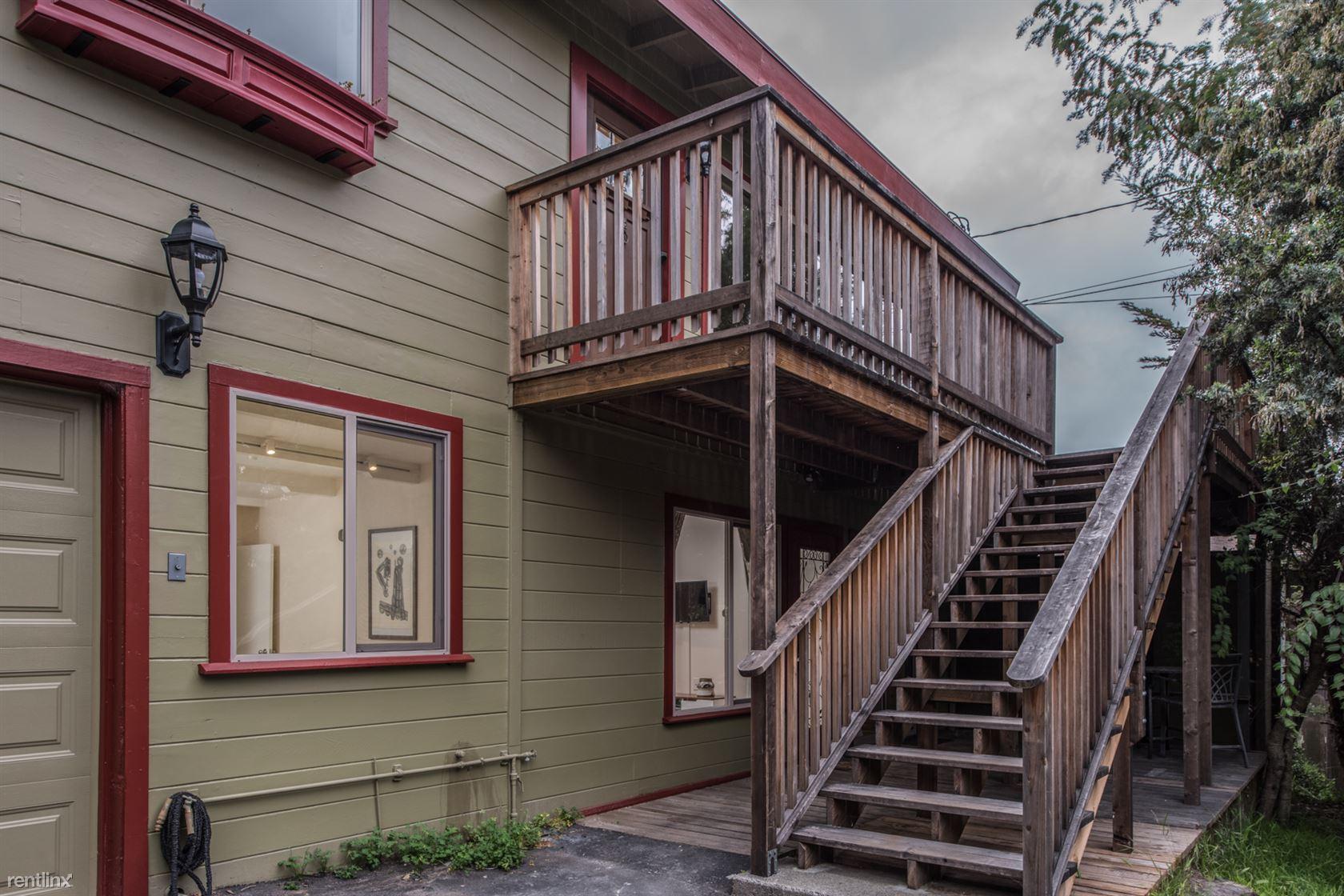 1060 Roosevelt St # B, Monterey, CA - $2,145 USD/ month