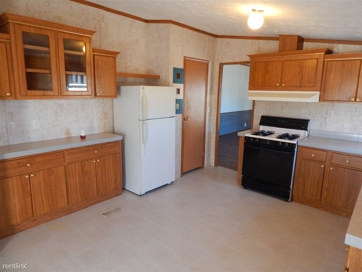 2451 Black River St, Deckerville, MI - $895