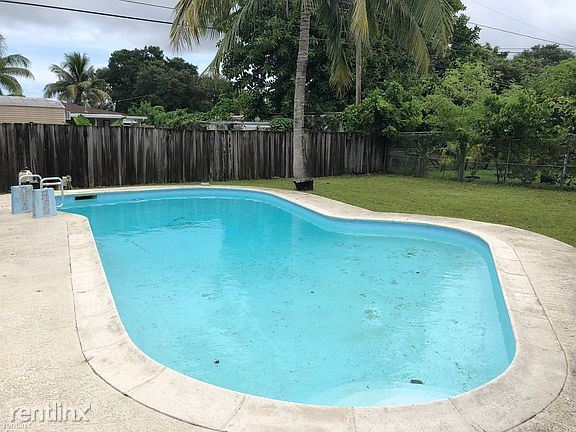 114 Virginia Rd, West Park, FL - $2,000 USD/ month