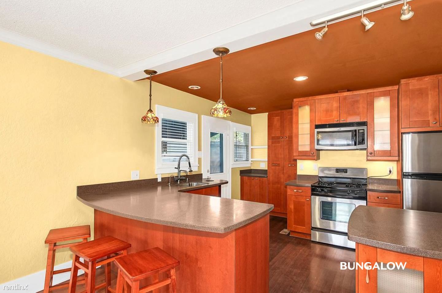 922 N 45th St - 830USD / month