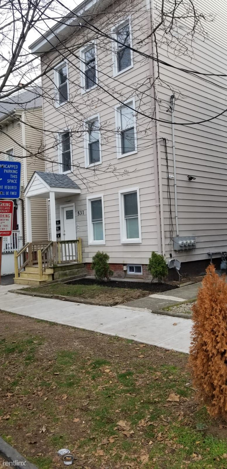 531 East St - 2400USD / month