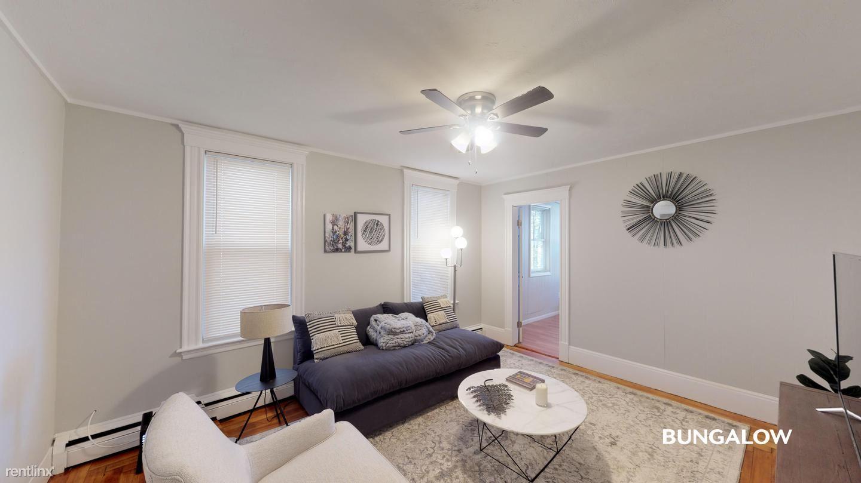 288 Meridian St, Boston, MA - $890 USD/ month