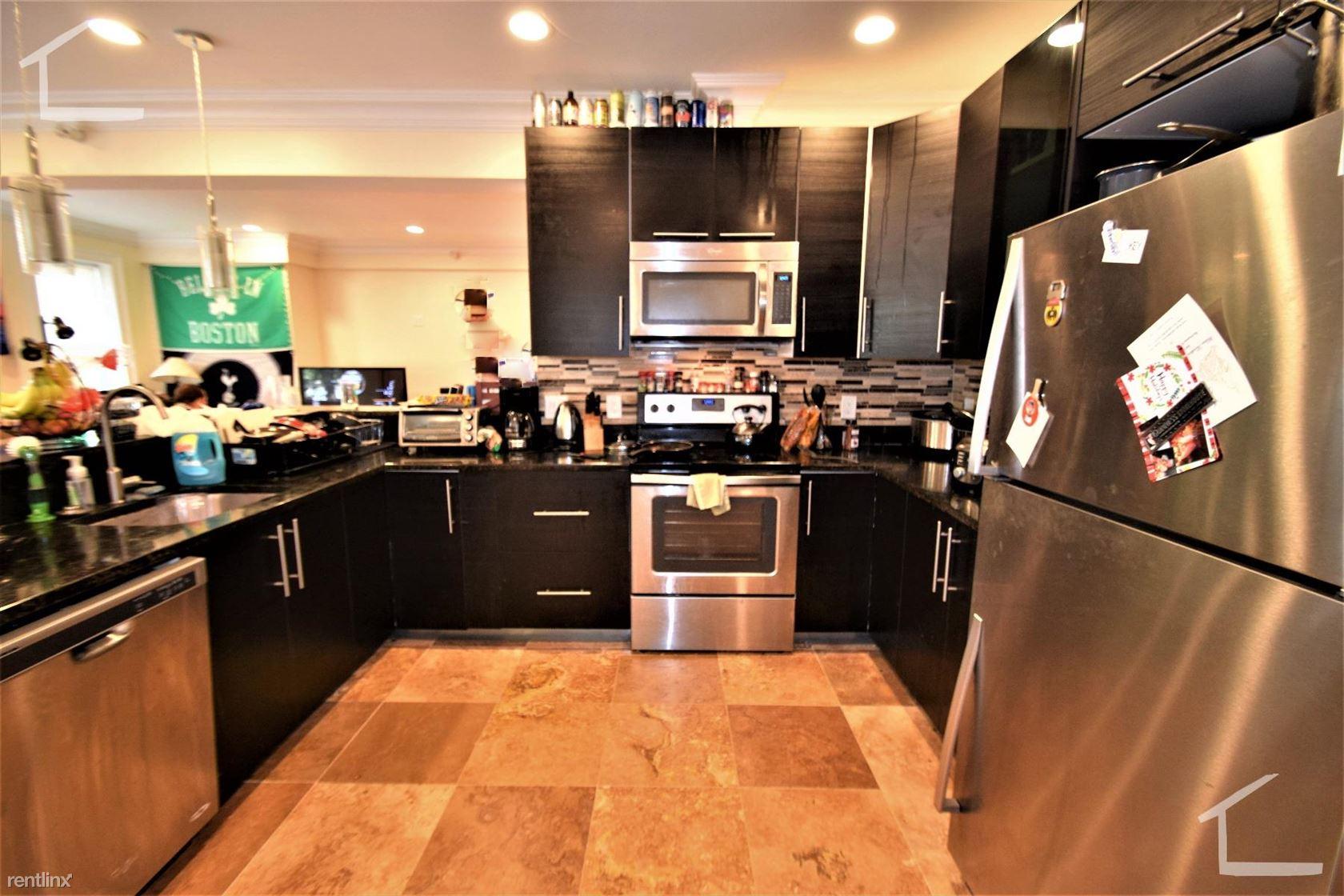 74 Browne St Apt 2, Brookline, MA - $7,000 USD/ month