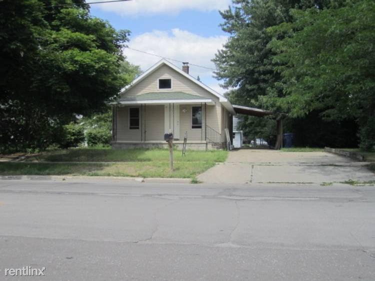 711 E Carpenter St, Midland, MI - $535