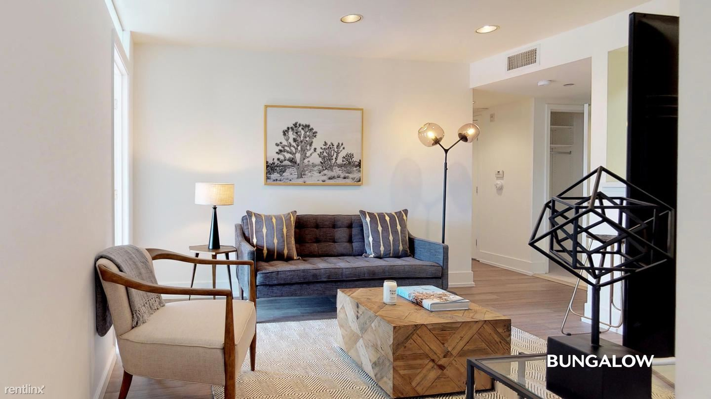 1518 Federal Ave - 1215USD / month