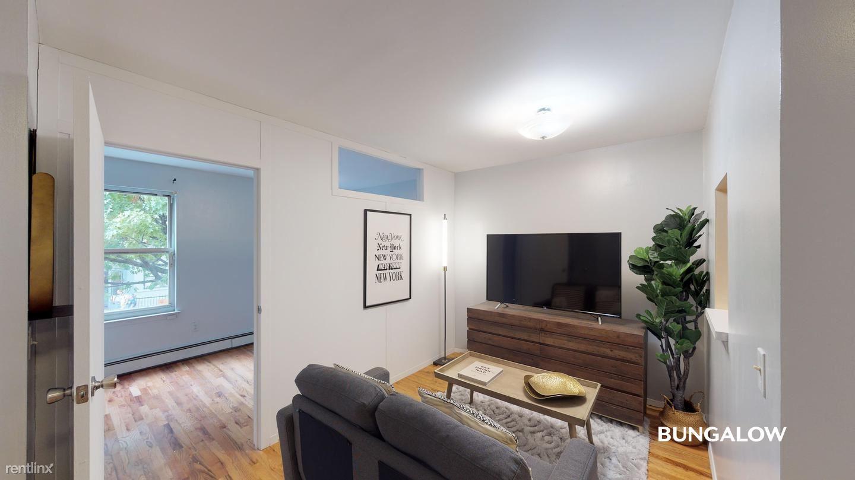 244 E 110th St, New York, NY - $965 USD/ month