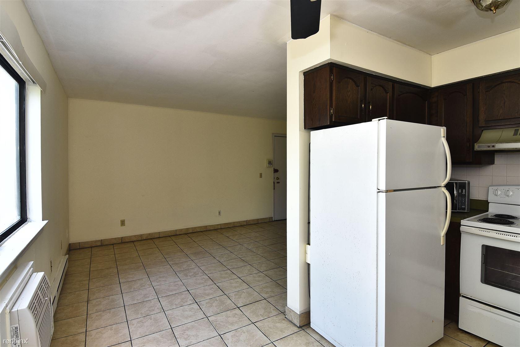 85 Clark St, West Haven, CT - 950 USD/ month