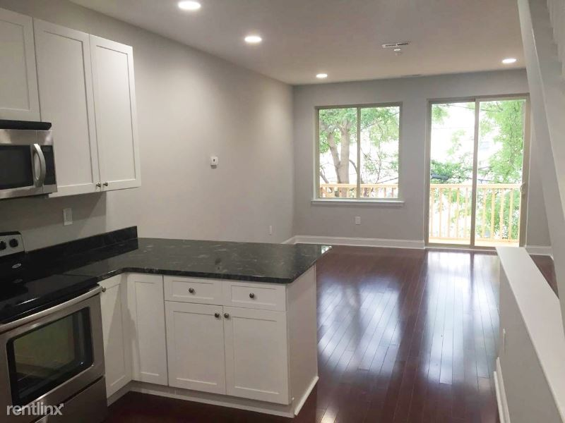 1621 Fontain St 2 - 1900USD / month