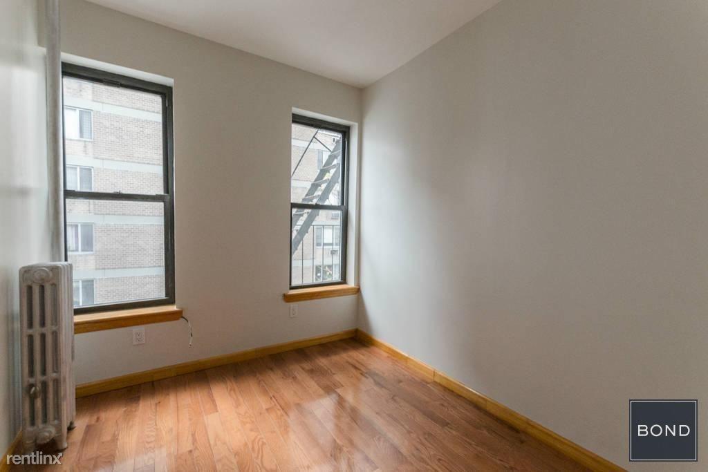 East 14th Street, New York, NY - $3,100