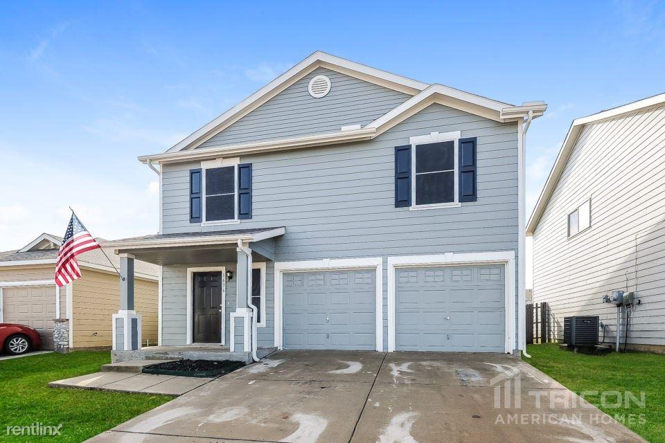 1636 Wickham Drive, Burleson, TX - $1,599 USD/ month