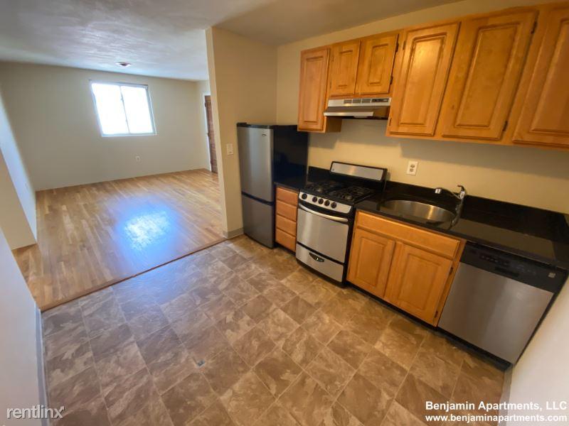 385 Dorchester St 0C8, South Boston, MA - $2,450 USD/ month