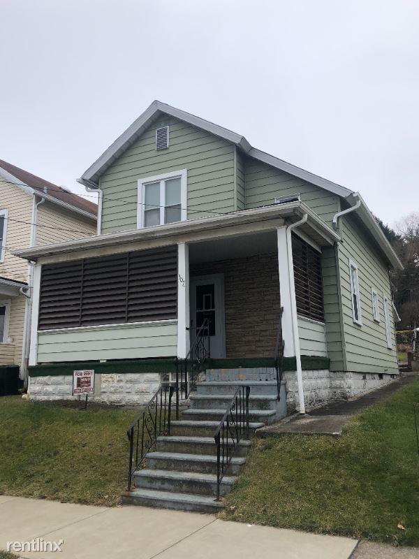 307 Division Avenue, Ellwood City, PA - $850 USD/ month