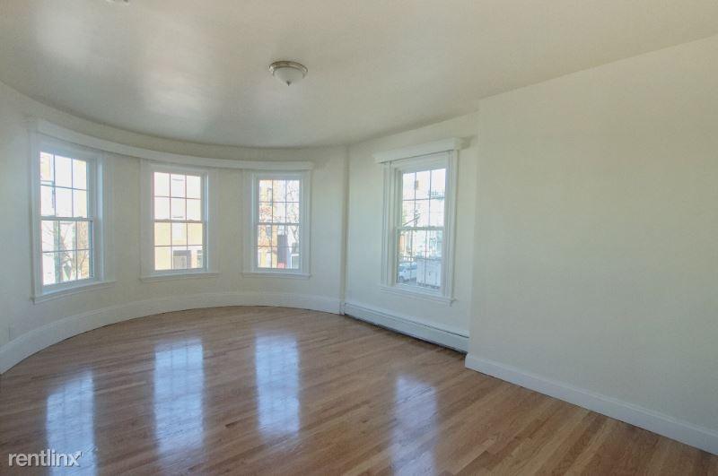 501 E Broadway 010, South Boston, MA - $1,800 USD/ month