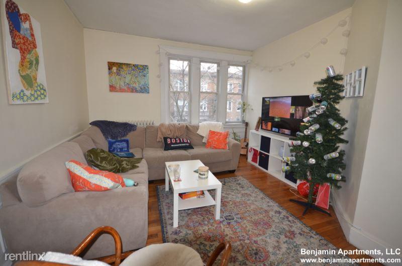 322 Saint Paul St 03, Brookline, MA - $8,100 USD/ month