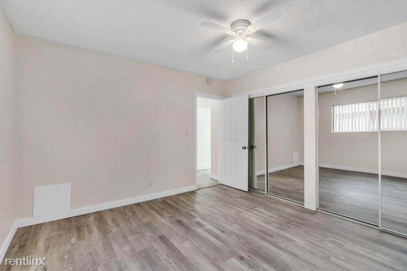 8721 Imperial Hwy, Downey, CA - $2,100 USD/ month