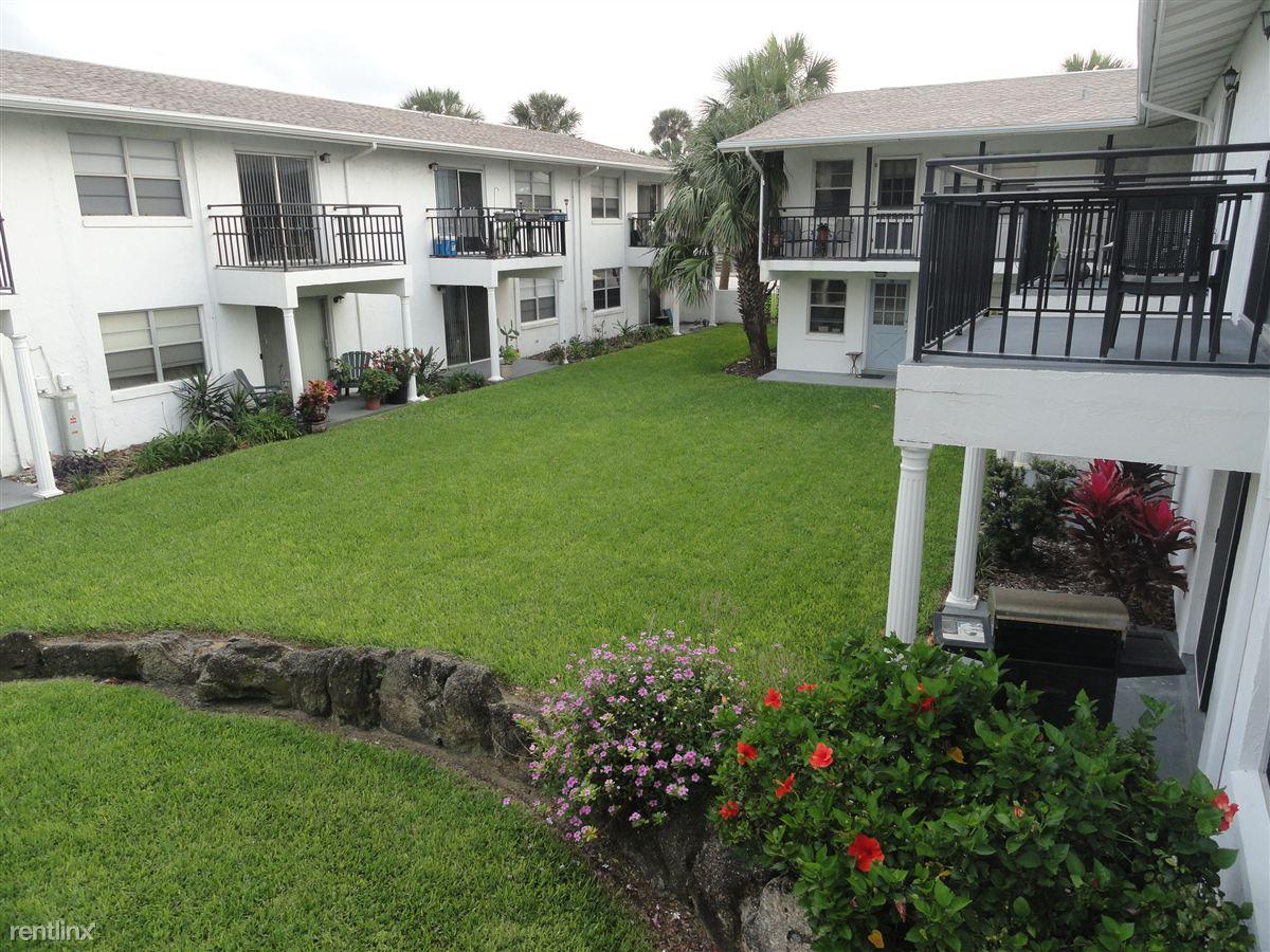 424 N Grandview Ave, Daytona Beach, FL - $1,075
