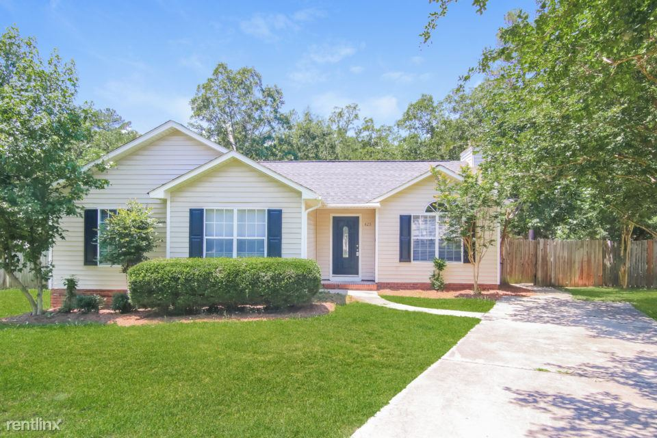 425 Northshore Court, Chapin, SC - $1,425 USD/ month