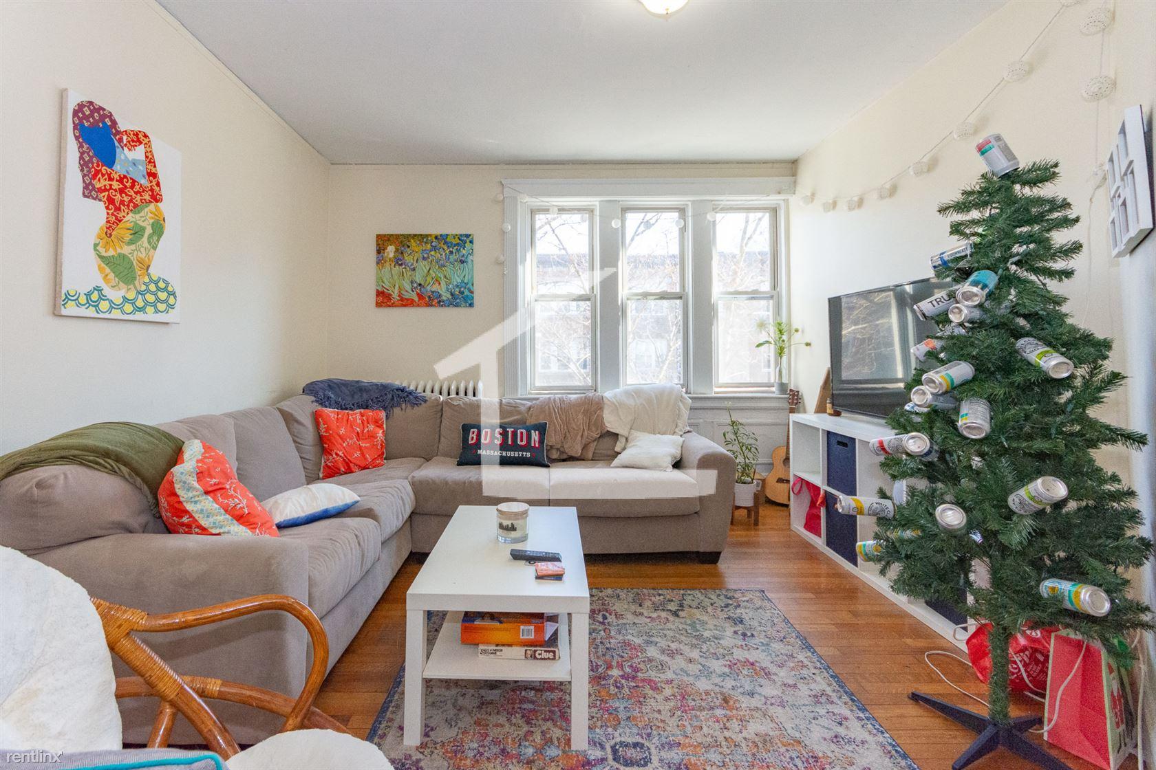 323 Saint Paul St # 322-3, Brookline, MA - $8,100 USD/ month