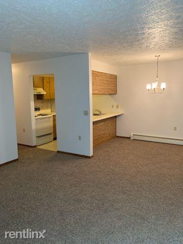310 Prairie Ronde, Decatur, MI - 850 USD/ month