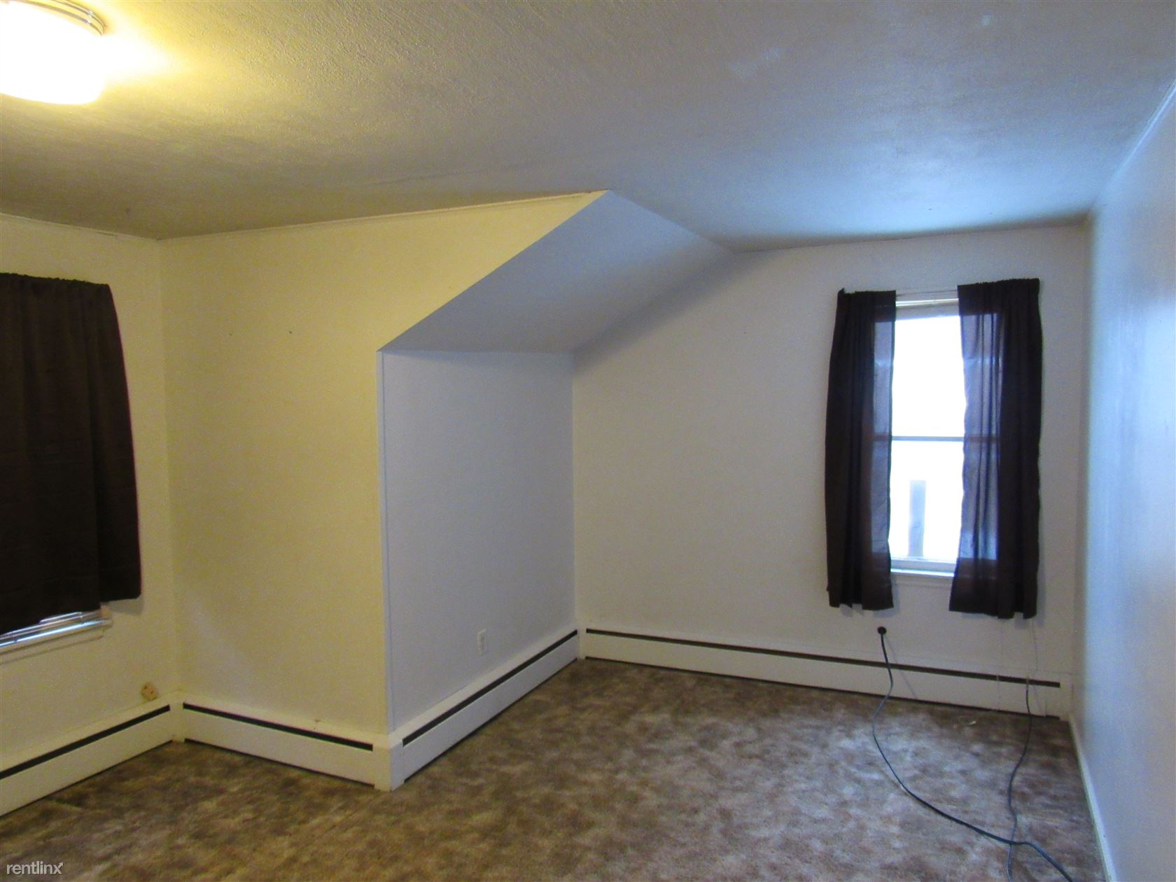 529 2nd St SW, Valley City, ND - $575 USD/ month