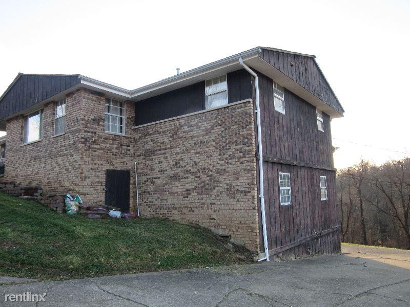 13 Circle Drive B, Huntington, WV - $425 USD/ month