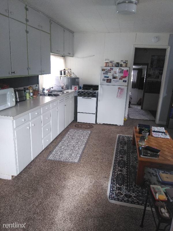 1122 W Myrtle Street Unit 2 - 1150USD / month