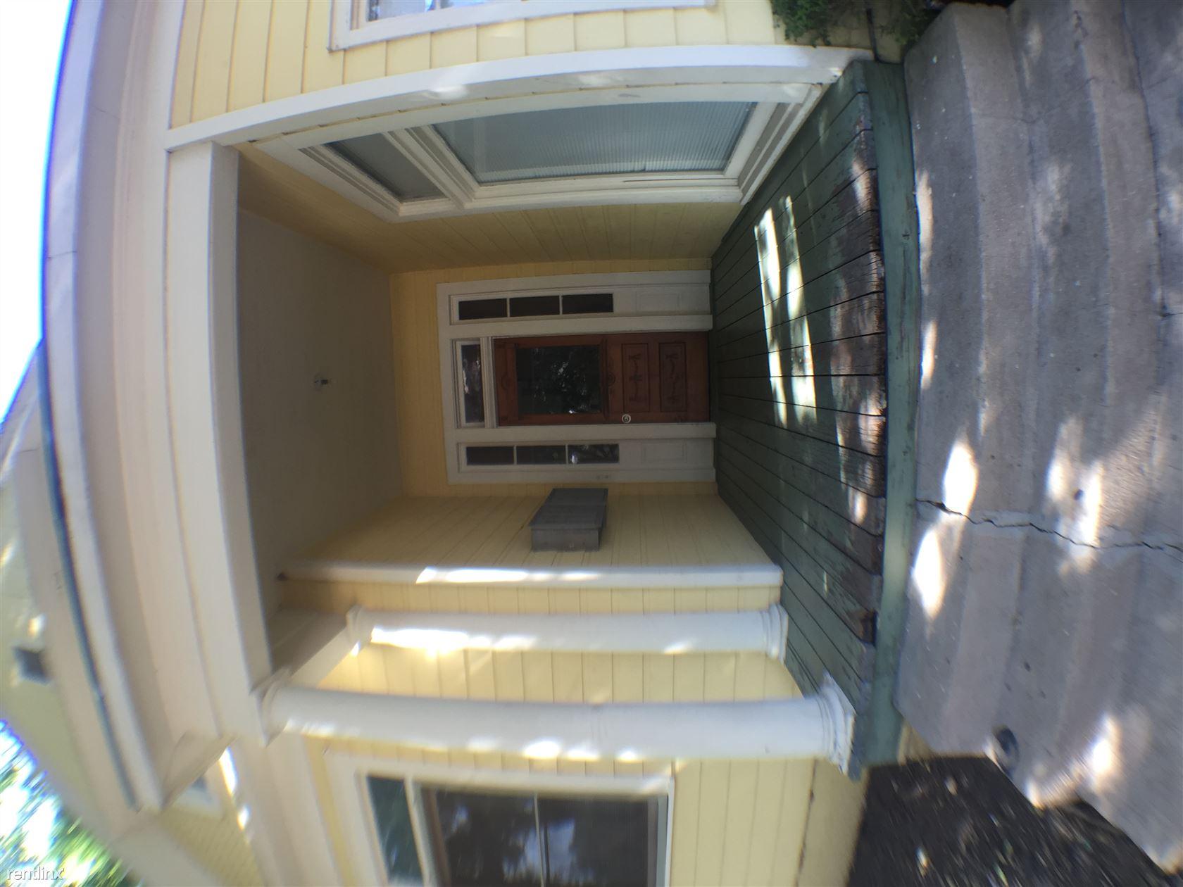 908 W 22nd St Apt E, Austin, TX - $725 USD/ month
