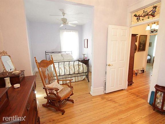 2075 East 17th Avenue - 2750USD / month