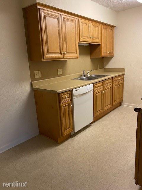 7080 Lamar Rd, Reno, TX - 561 USD/ month