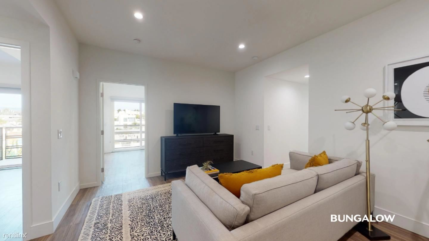 1515 Colby Ave - 1060USD / month