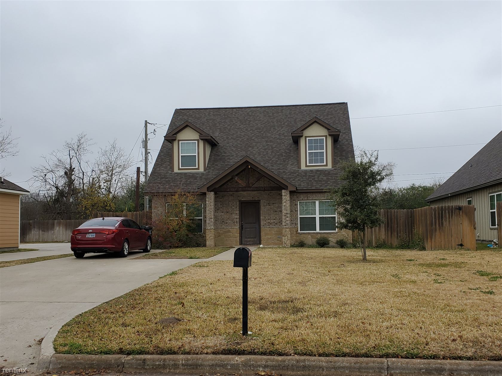109 Southland St, College Station, TX - $2,800 USD/ month