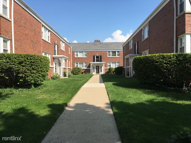 367 Central Ave 2N, Highland Park, IL - $1,640 USD/ month