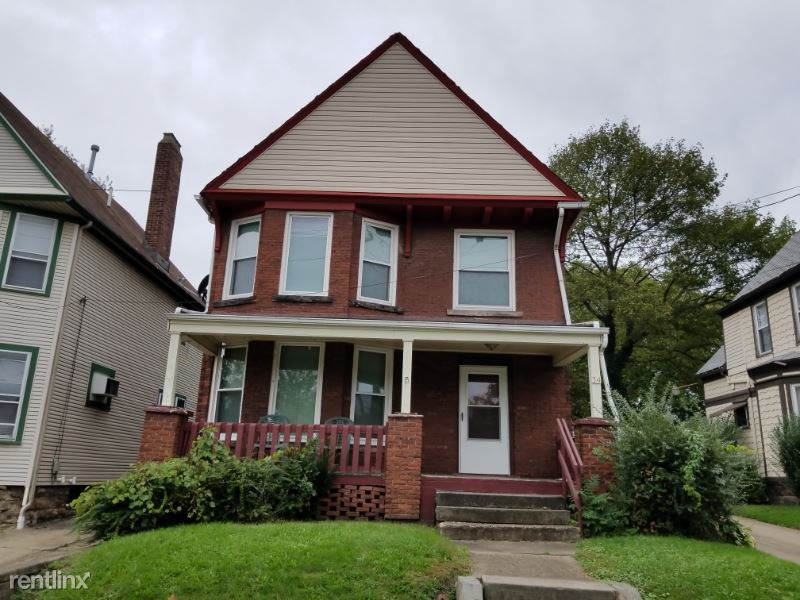 34 S Adams St 2, Akron, OH - $700 USD/ month