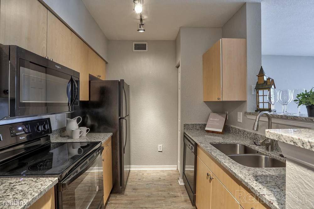 3761 Pine Ridge Boulevard, Palm Harbor, FL - $1,645 USD/ month