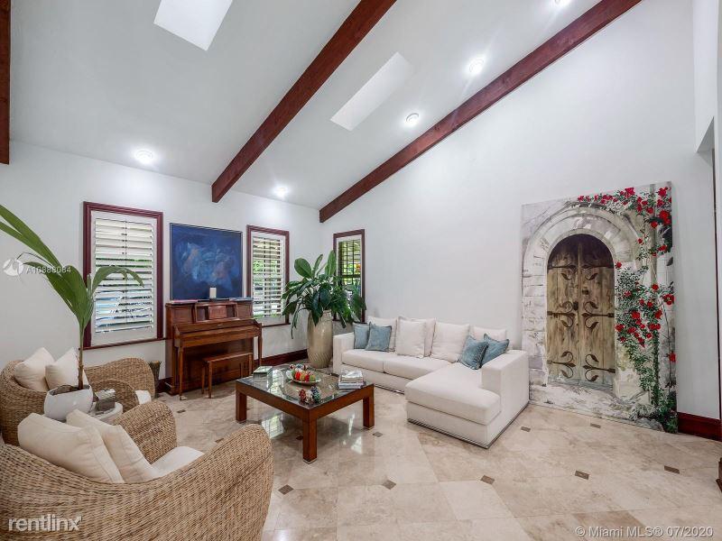 441 Ridge Rd, Coral Gables, FL - $22,500 USD/ month