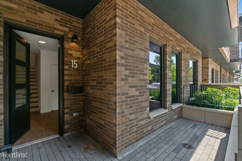855 W Madison St TH 103, Chicago, IL - $5,416 USD/ month