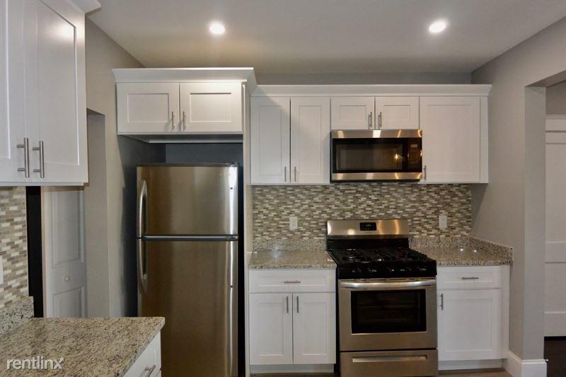 54 Spring Street 1, West Roxbury, MA - $2,025 USD/ month