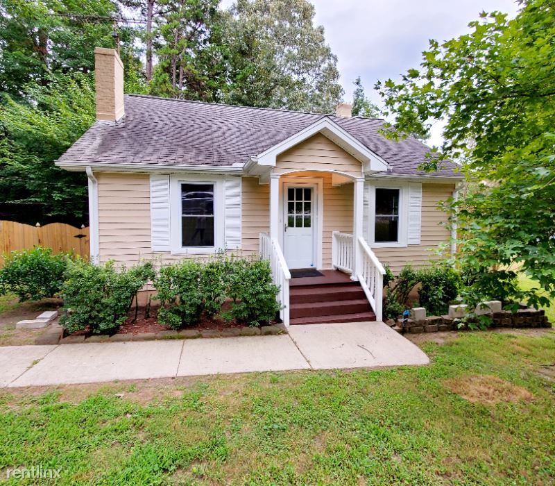 Oakdale Rd, Jamestown, NC - $1,400 USD/ month