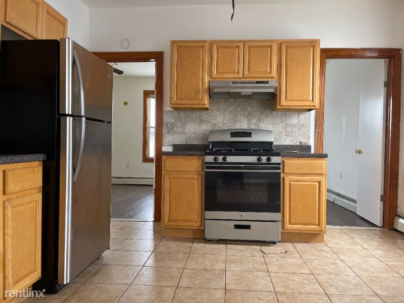 21 E 16th St 37, Bayonne, NJ - $1,474 USD/ month