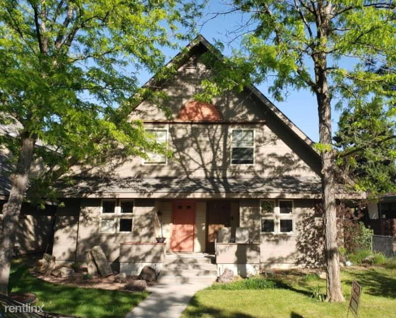 106 North Hotsprings Drive, Boise, ID - $2,200 USD/ month