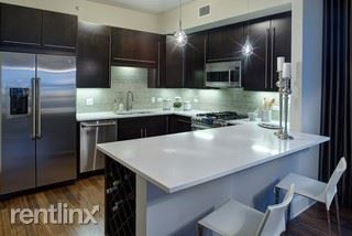71 W Hubbard St 5008, Chicago, IL - $6,383 USD/ month