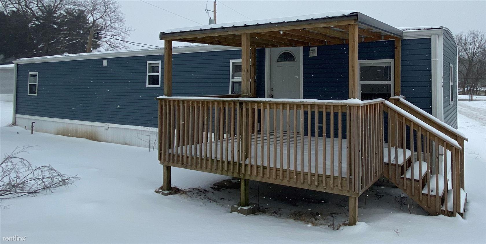 142 Countryside Ln, Saint Joseph, MO - $825 USD/ month