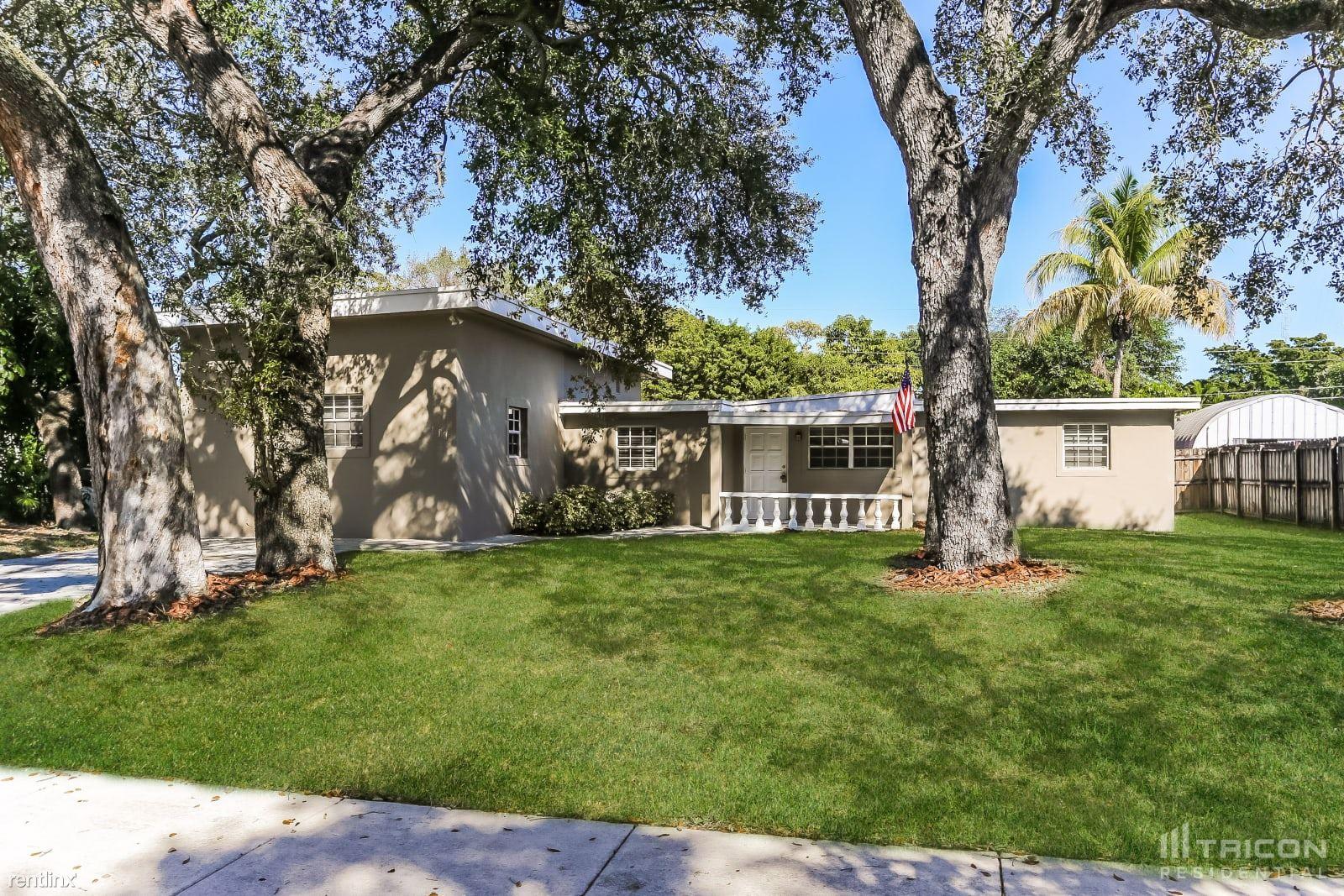117 Clifton Road, West Park, FL - $2,599 USD/ month